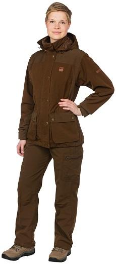 Nowoczesny zestaw ubrań myśliwskich dla kobiet.