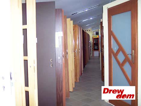Okna PCV i drewniane. Jakie wybrać do swojego domu?