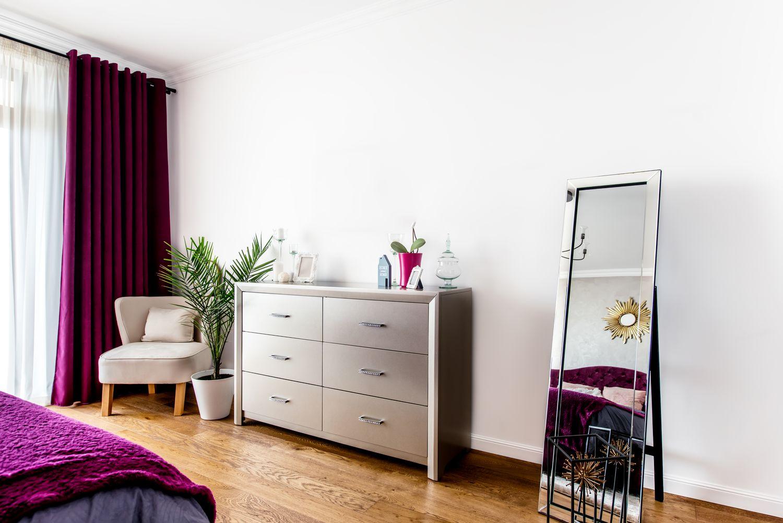 Praktyczne, nowoczesne komody do salonu i sypialni