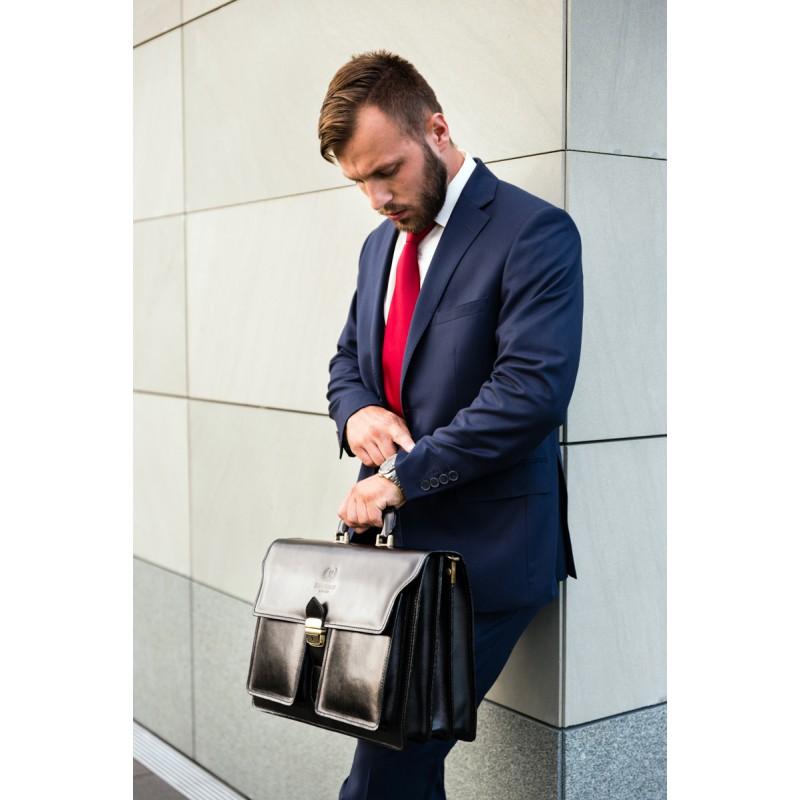 W jakiej sytuacji powinieneś wymienić torbę na ramię na elegancką teczkę?